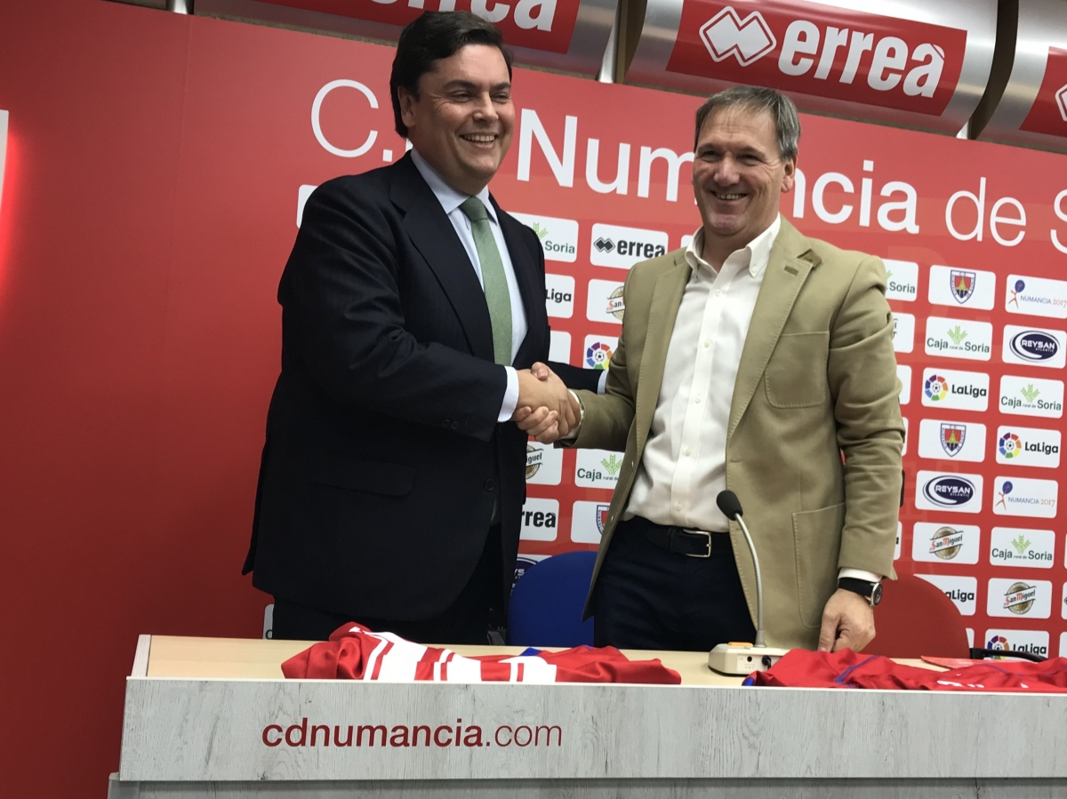 Carbures will wear Numancia´s shirt